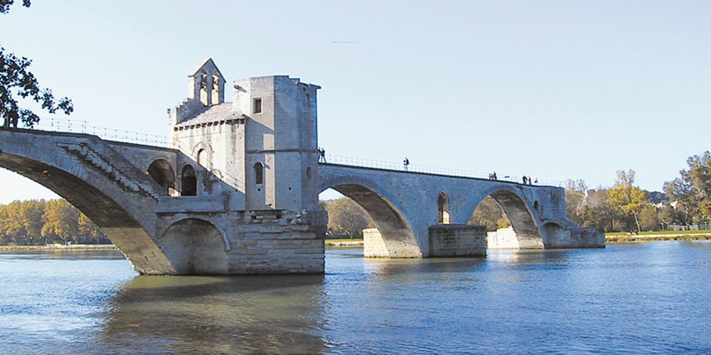 pont-avignon douce france